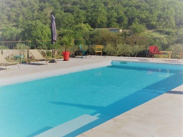 le domaine du viticulteur piscine partagée avec 3 autres gîtes