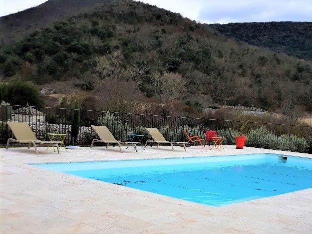 le domaine du viticulteur piscine partagée