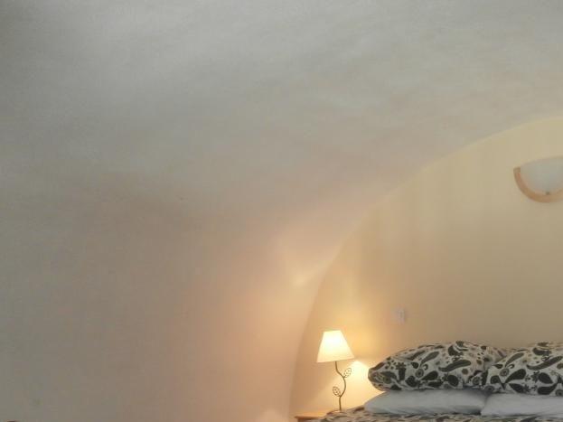 Chambre en mezzanine de la Petite Cave - avec lit double de 160cm