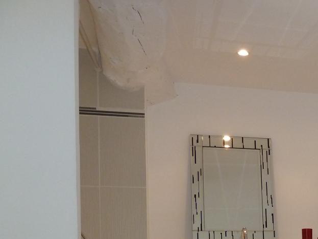 salle de douche de la chambre 2