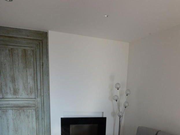 salon cocconing avec cheminée d'ambiance