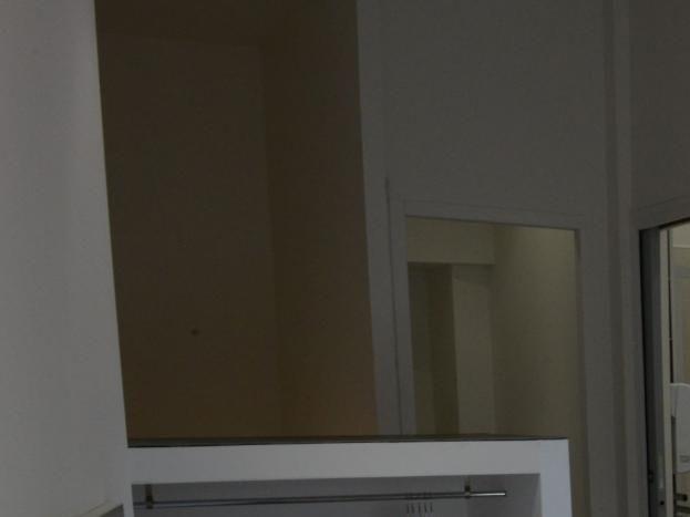 Chambre mansardée à l'étage.