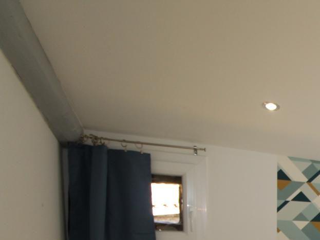 Chambre parentale avec salle d'eau privative (lit en 160 x 200)