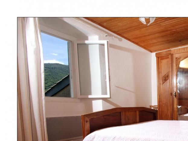 Chambre avec vue sur la montagne