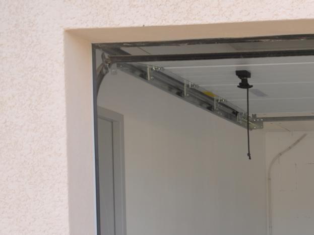 Garage privé, fermé par portail électrique