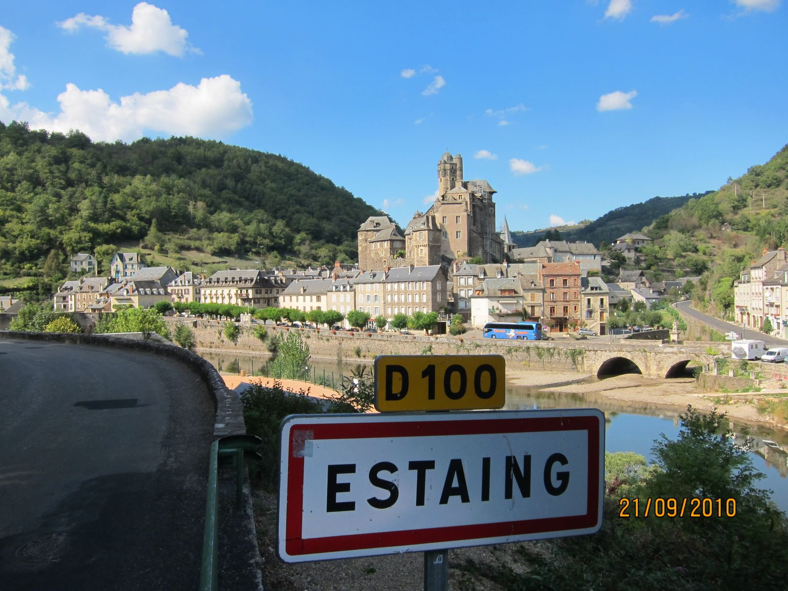Belle vue d'Estaing, village classé à 4kms du gîte