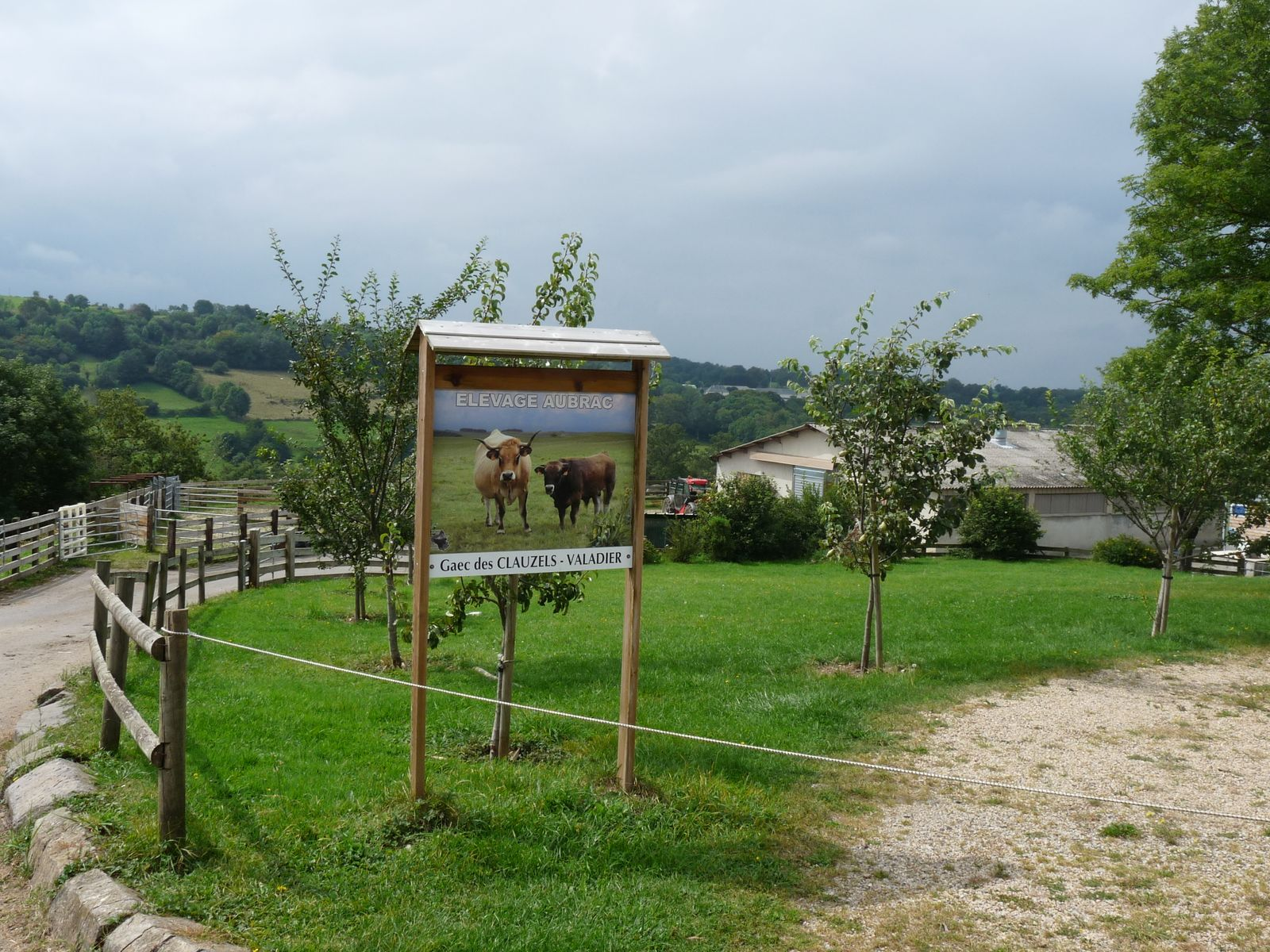 Environnement proche : la ferme des Clauzels en Aubrac