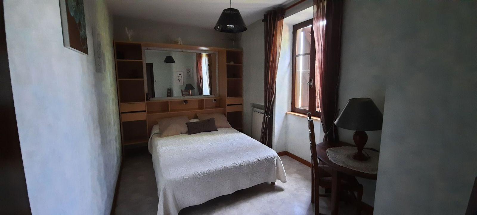 Chambre 2 ; lit en 140