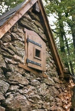 Cabane restaurée sur les chemins de randonnées