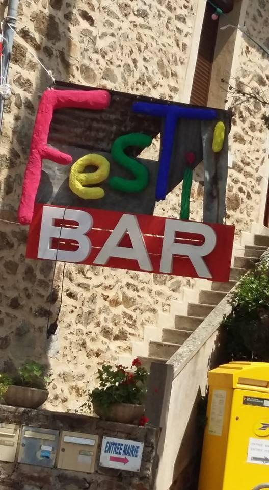 Fête à Bor et Bar