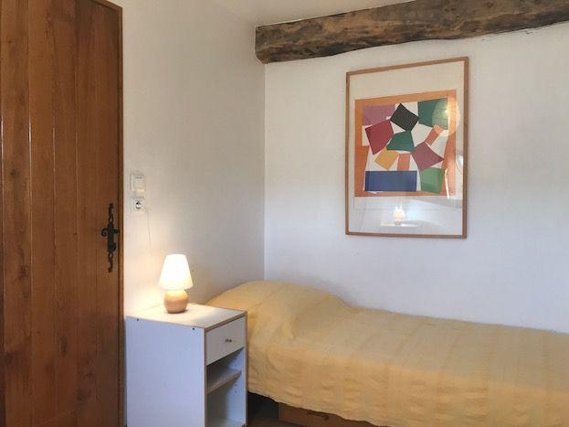 La chambre à trois lits