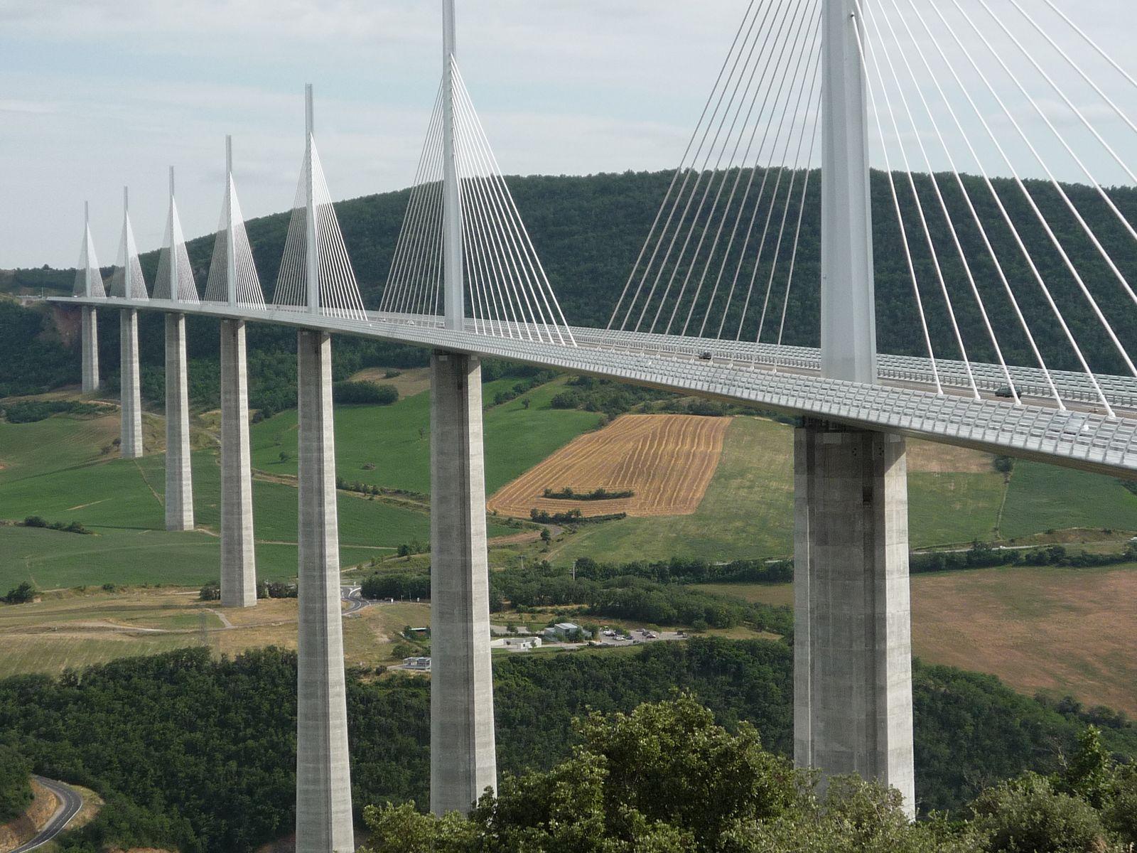 Dans les environs: Le Viaduc de Millau