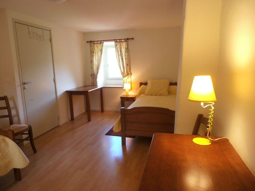 Rez de chaussée: chambre avec 2 lits simples