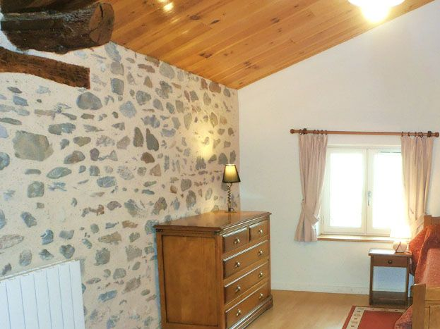 Etage: chambre avec 2 lits simples