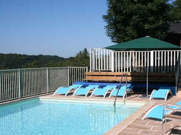 vue côté Ouest de la  piscine
