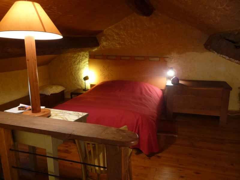 le comble et le lit de 140m X 190m