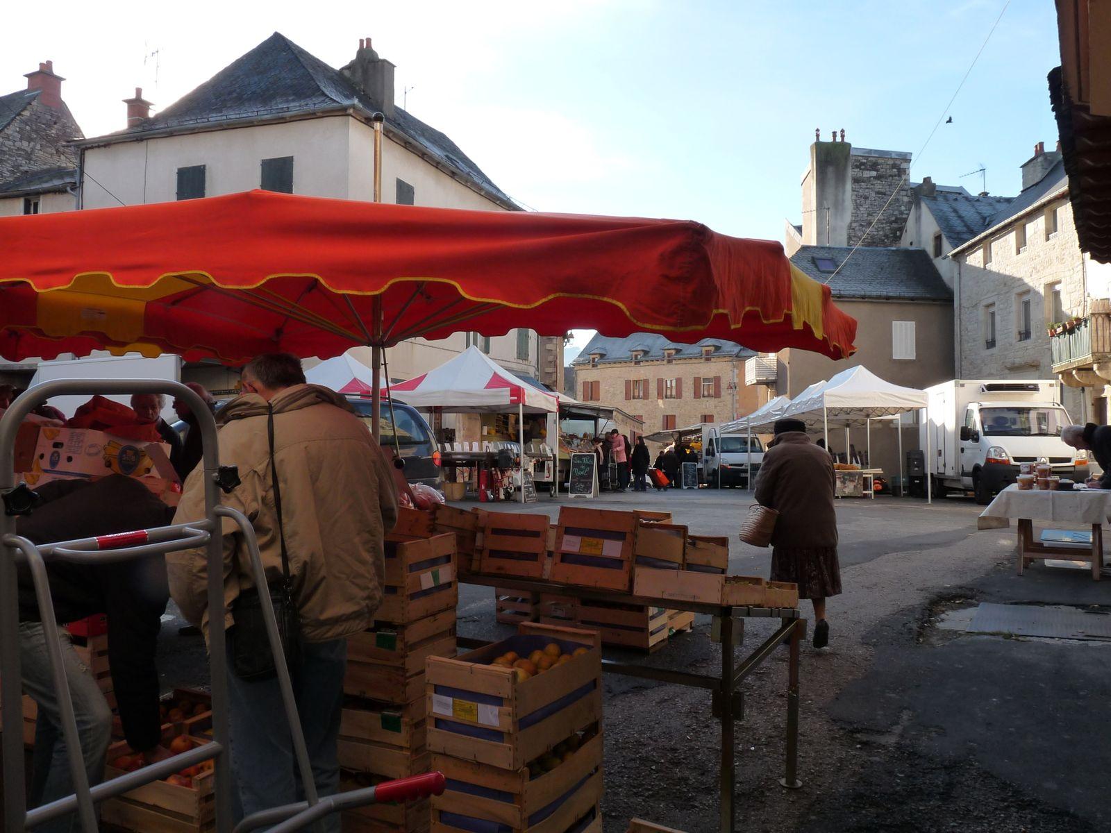 Le marché de LAISSAC