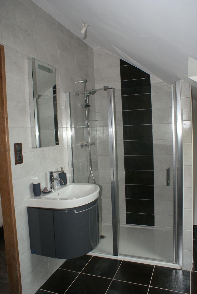 salle de bain chambre 2 personnes