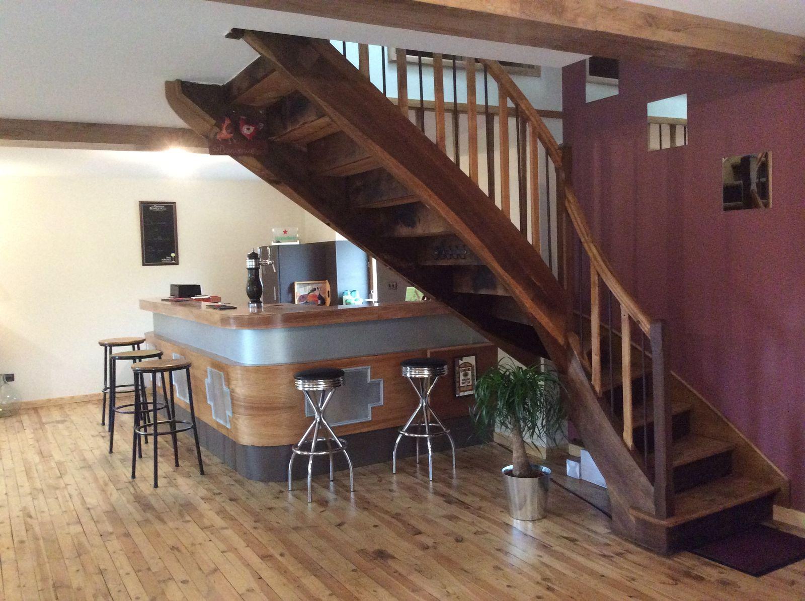 escalier pour monter aux chambres