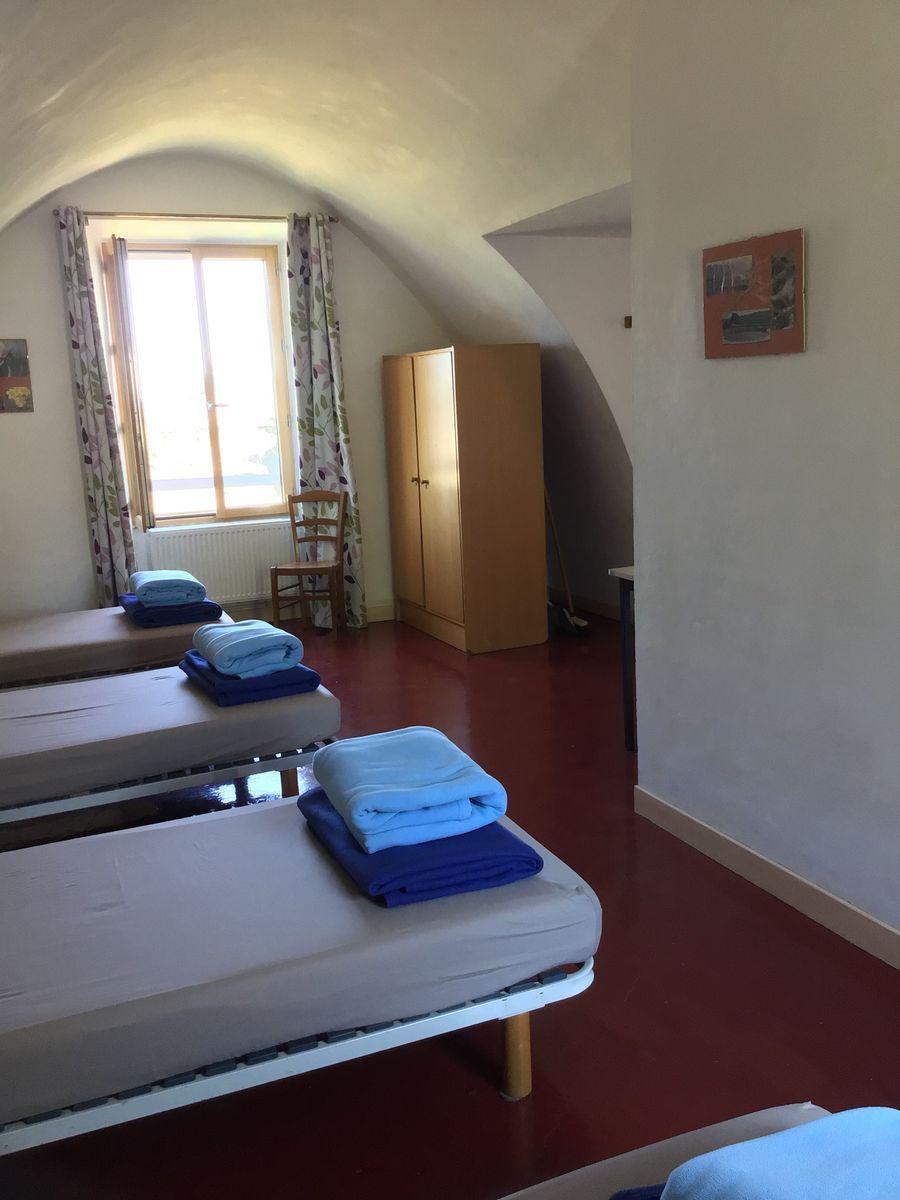 Panicaut : chambre 4 personnes avec salle d'eau (douche, lavabo et WC indépendants)