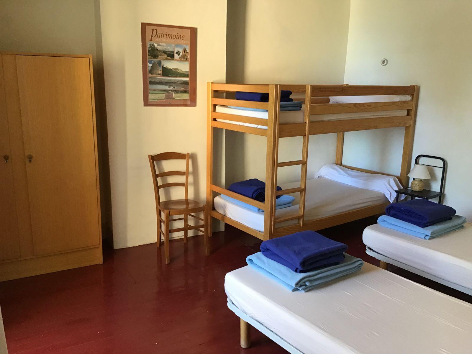Orchidée : chambre 4 personnes, sanitaires partagés
