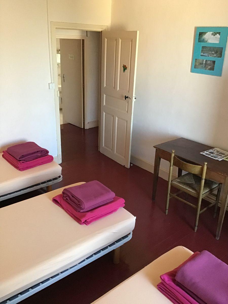 Coquelicot : chambre 3 personnes, sanitaires partagés