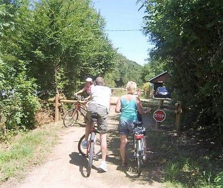 Voie verte pour cyclistes et piétons à 300 m du gite