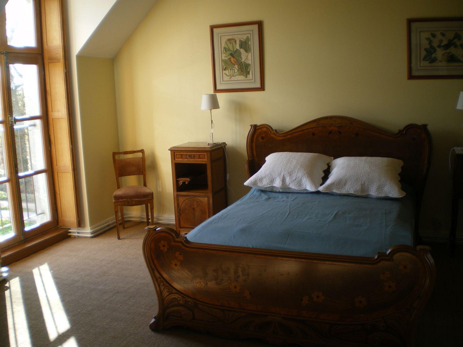 Confort à l'ancienne pour le lit en 140
