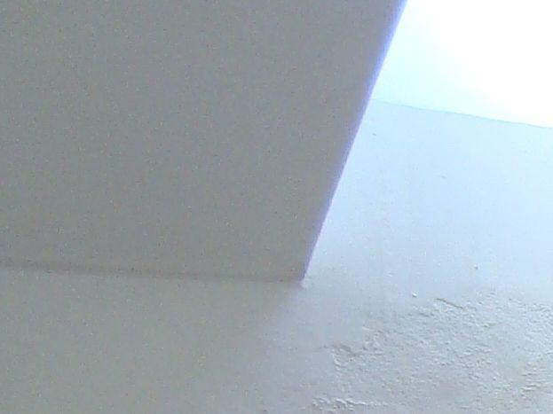 Chambre Solange, 2 lits jumeaux, un velux, une armoire, un lavabo