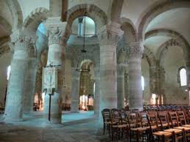 Basilique de Neuvy-Saint-Sepulchre (UNESCO)