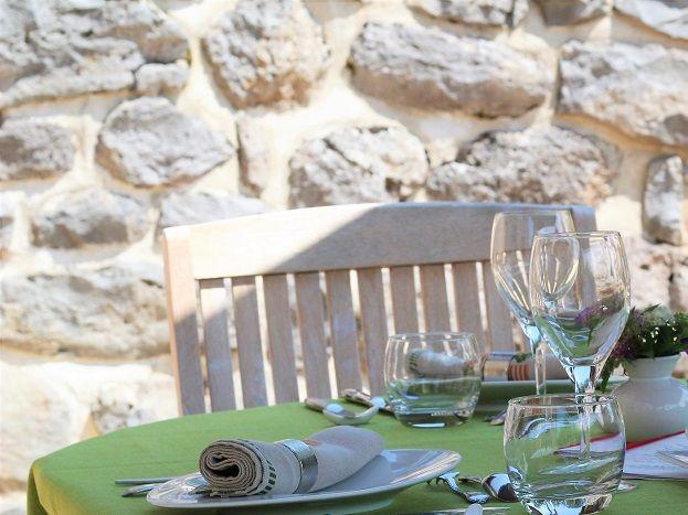 La table, c'est en terrasse dès que le temps le permet