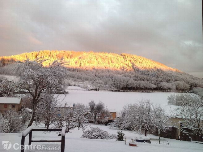 Embrasement du Mont Bar après un orage de neige