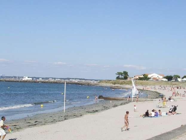 La plage de Joalland sur le boulevard de la Tara près du gîte
