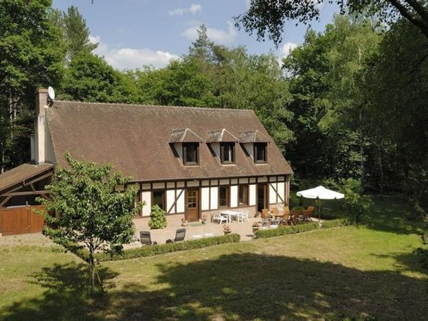 Maison et sa terrasse