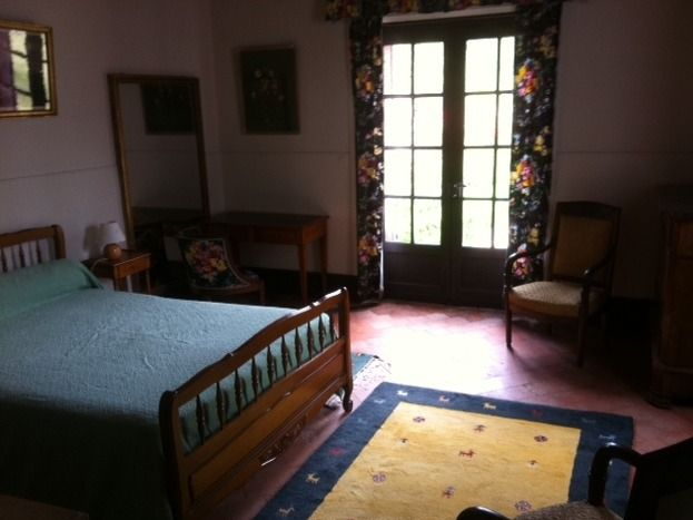 la chambre principale/ the main sleeping room