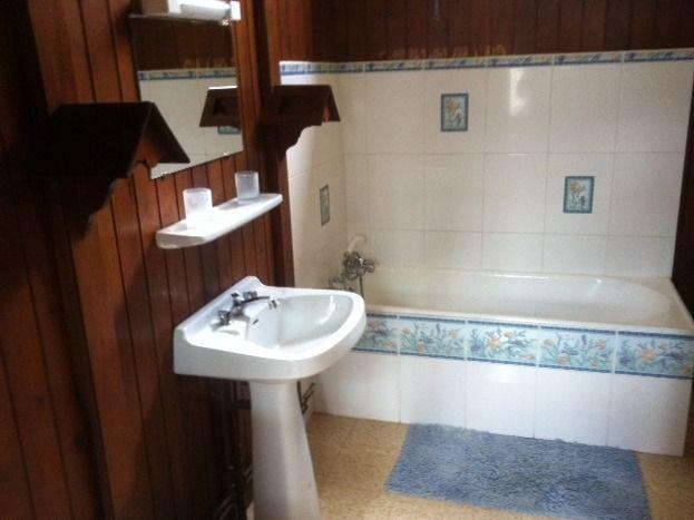 grande salle de bain/ main washroom