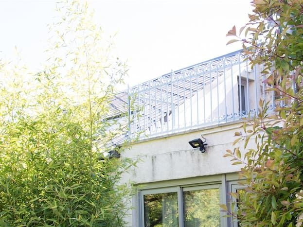 L'entrée de votre gîte et son toit-terrasse