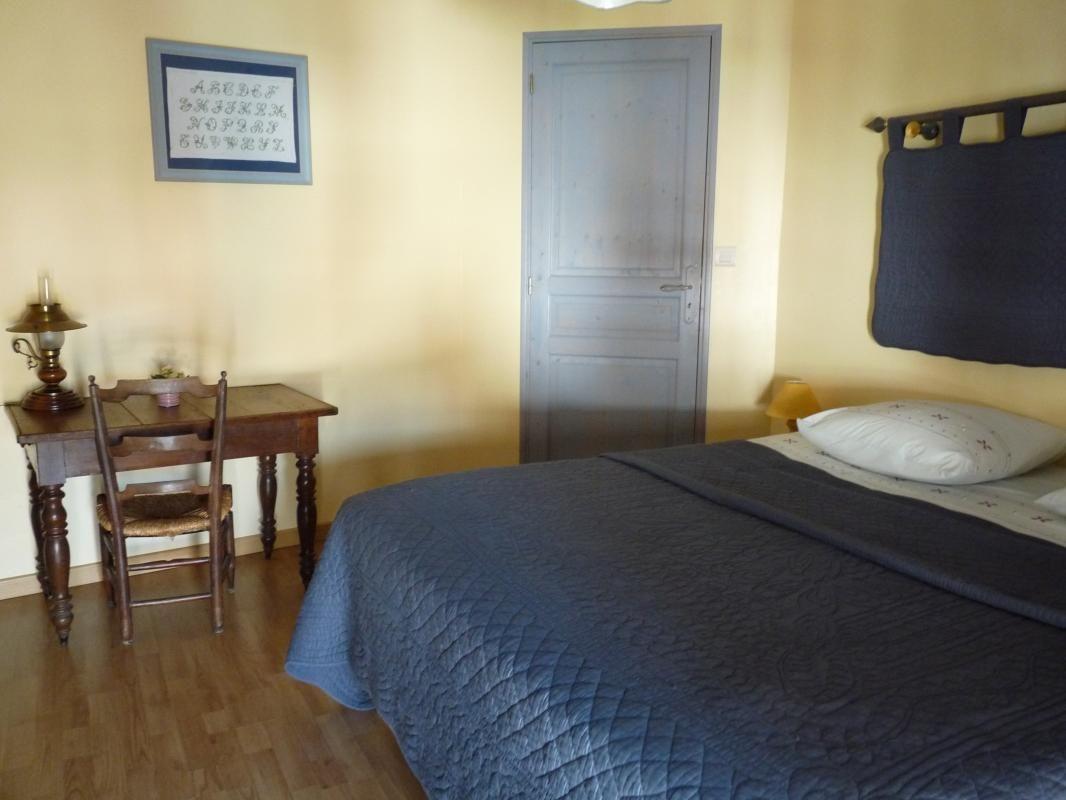 Chambre 1 avec un lit de 160