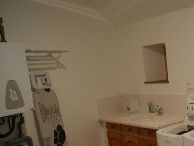 Buanderie = espace lingerie, entretien. 9 m2.
