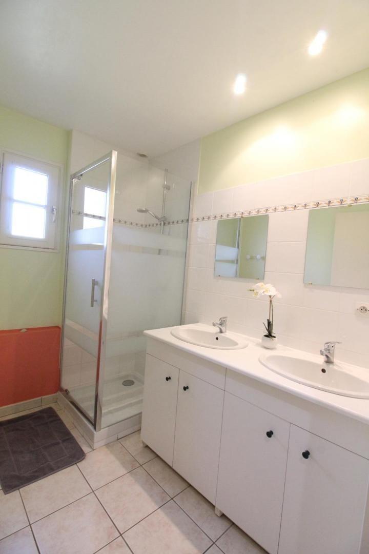 salle de douche en bas