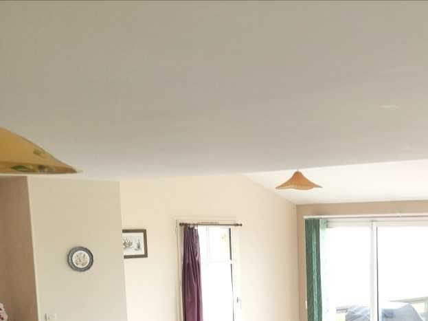 Salon avec 2 grands canapés angles tout neuf grand confort