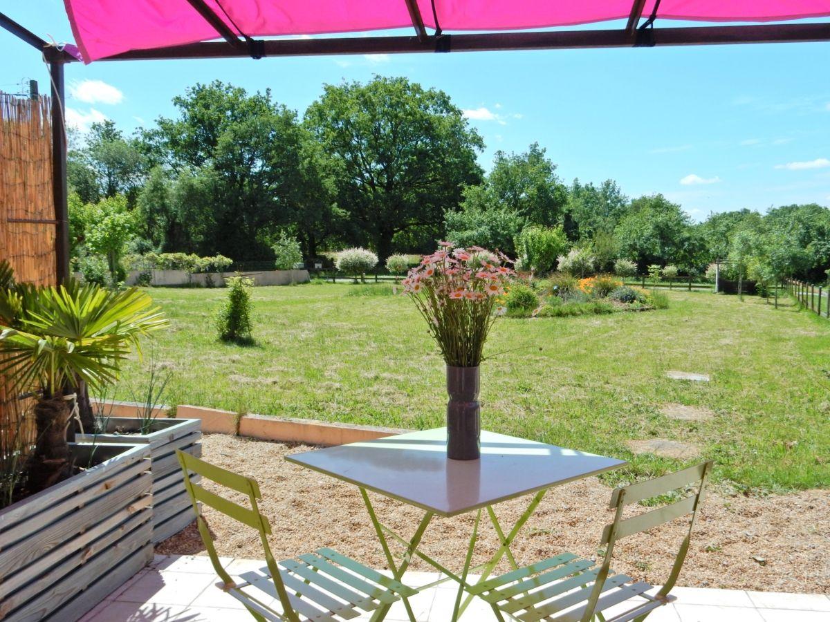 De la terrasse, vue sur le jardin