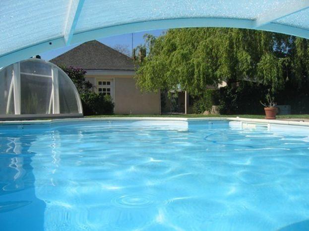 de l'intérieur de la piscine
