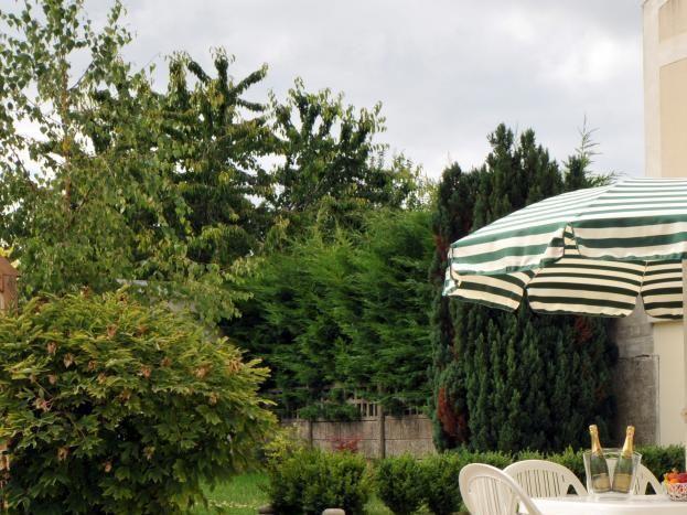 51G335 - Gîte du Jardin Le Poivre - Chamery - Gites de France Marne
