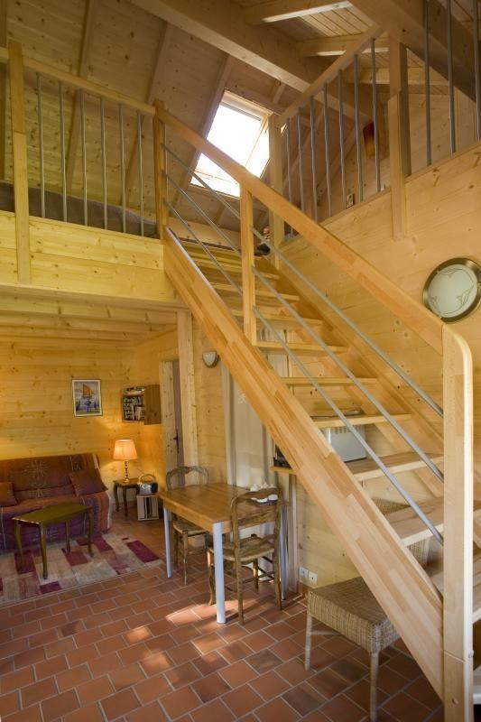 Montée dans la chambre 51G362 - La Maison en Bois - Moslins - Gîtes de France Marne