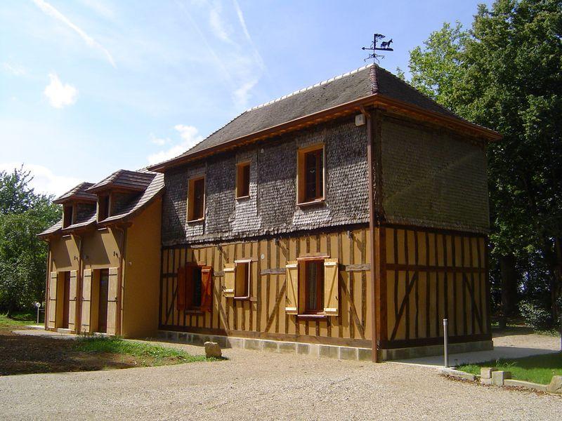 Façade sud-est du gite 51G1046 - Les Clés d'Emeraude - Outines - Gîtes de France Marne