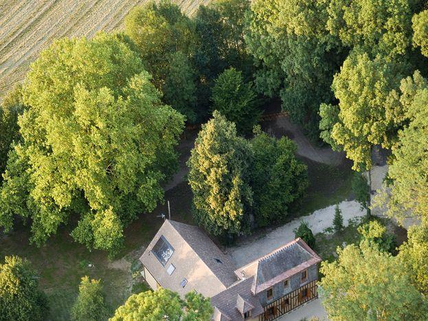 Vue aérienne du site : un écrin d'Emeraudes 51G1046 - Les Clés d'Emeraude - Outines - Gîtes de France Marne