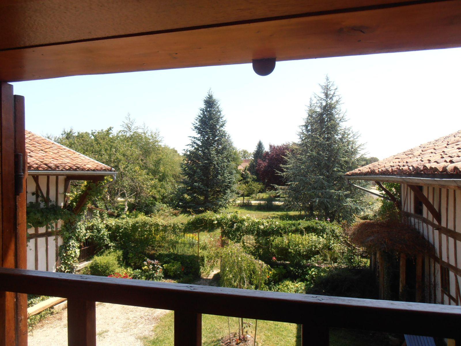 516167 - La Cheminière  Vue sur jardin depuis chambre