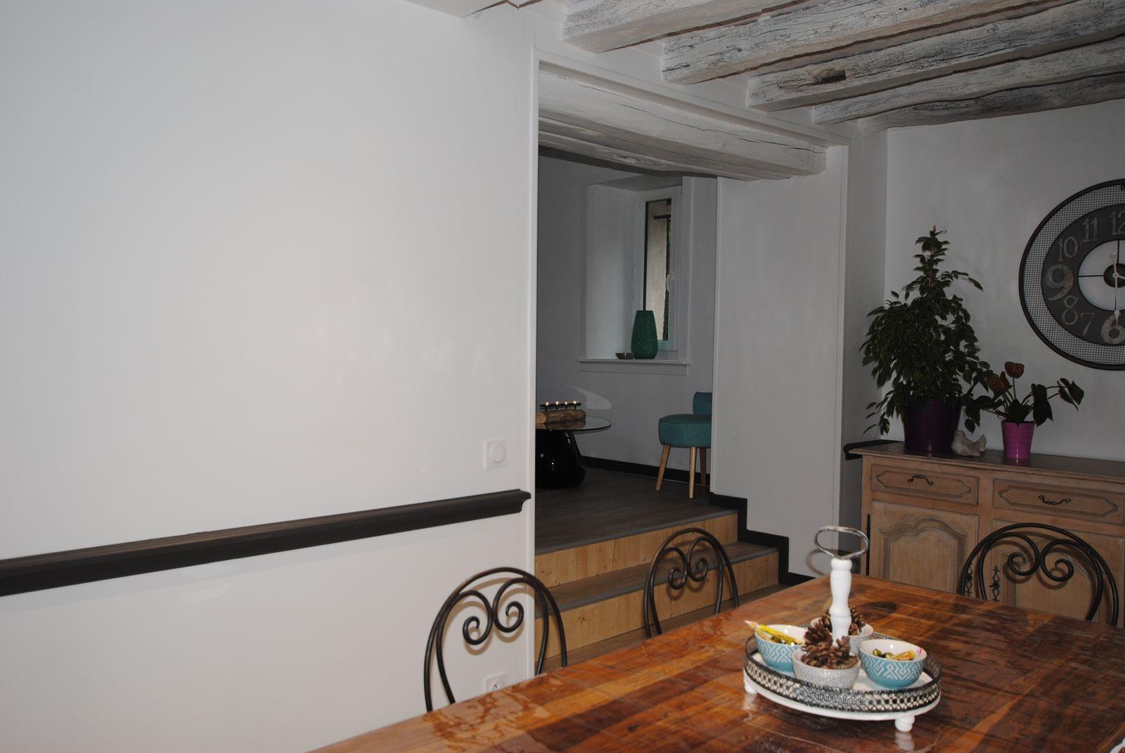 Salle à manger donnant sur le salon 51G482 - La Courvilloise - Courville - Gîtes de France Marne