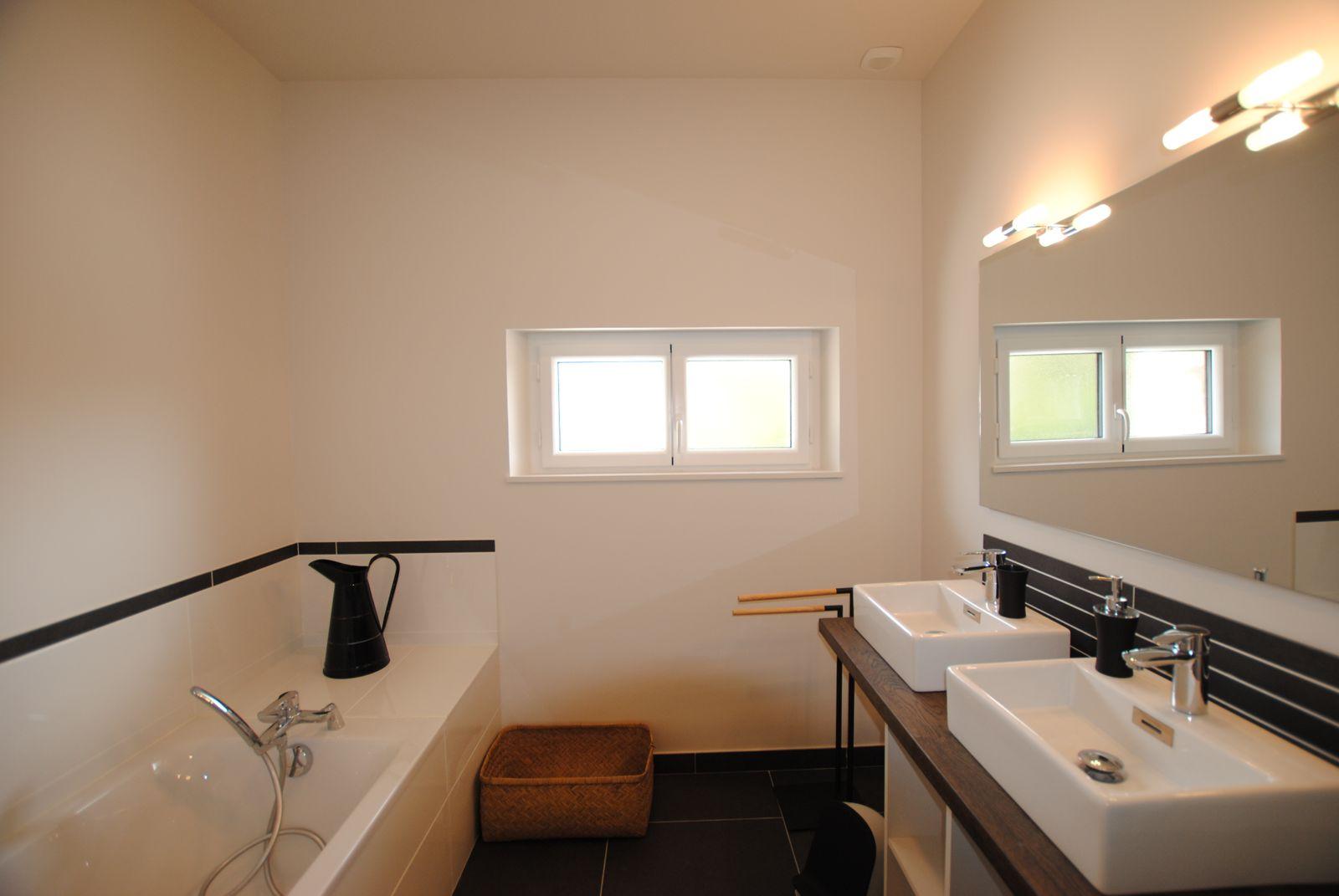 51G494 - Pogny - La Maison Gabriel - salle de bain 1er étage
